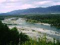 Верхний Уймон. Вид на Катунь и Усть-Коксу от возвышенности над строящимся мостом
