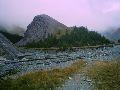Р. Ярлу. Гора Чаша. Место поклонения рикловцев