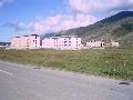 Усть-Кокса. Здания строящейся поликлиники и районной больницы на восточной окраине поселка